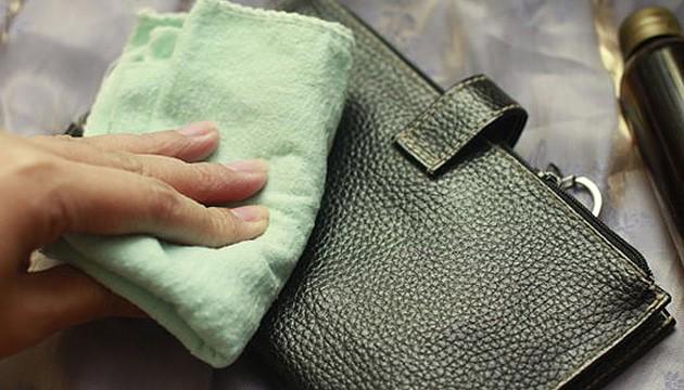 1ff837ce3245 Как почистить кожаную сумку. Советы от химчистки «Мобильный портной»