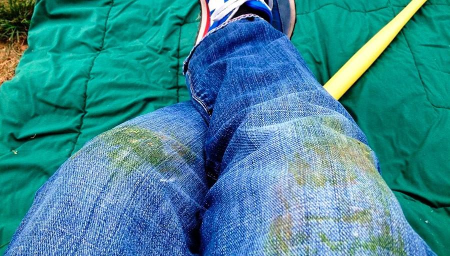 Способы выведения пятен с джинсов