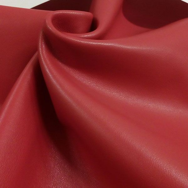 Красная одежная кожа для пошива