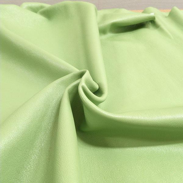 Светло-зеленая одежная кожа для пошива